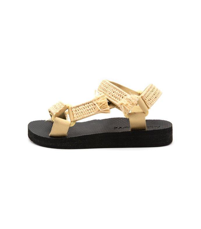 trekky sandal in raffia