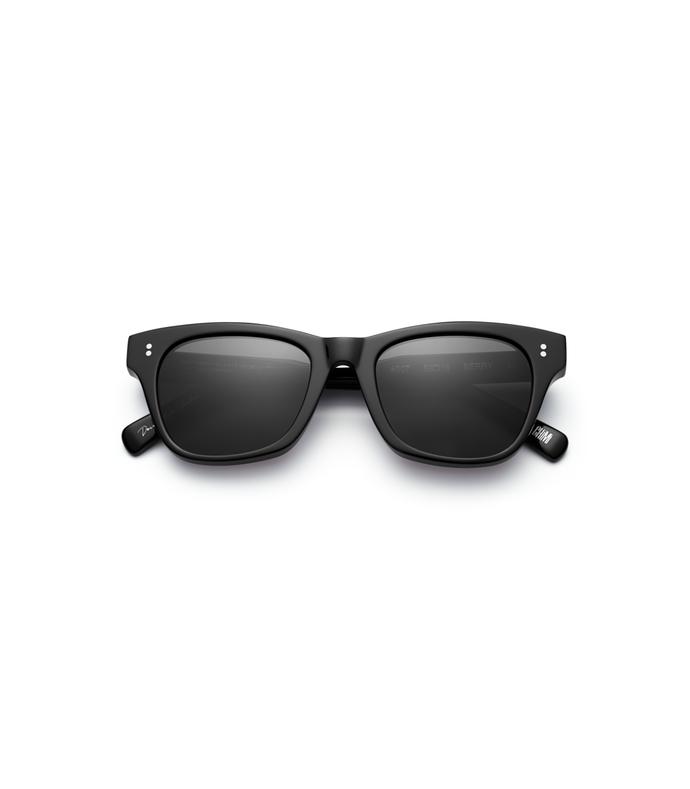 #007 black sunglasses in berry