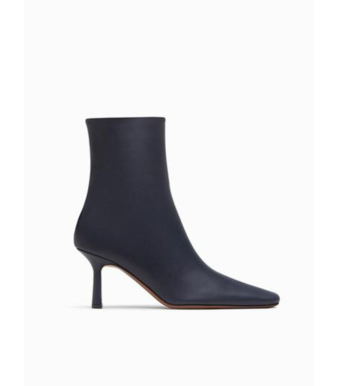 menea square calf leather navy boot