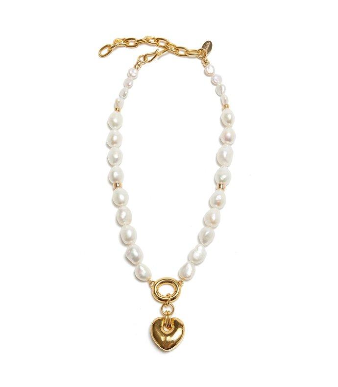 heartbreak necklace in gold
