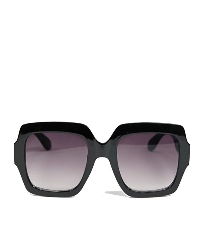 aj morgan oversized square sunglasses in black
