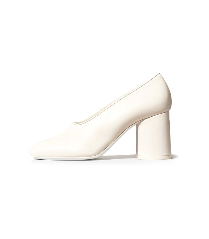 block heel pump in ivory