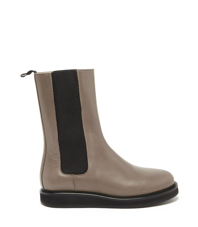 18 leather chelsea boots