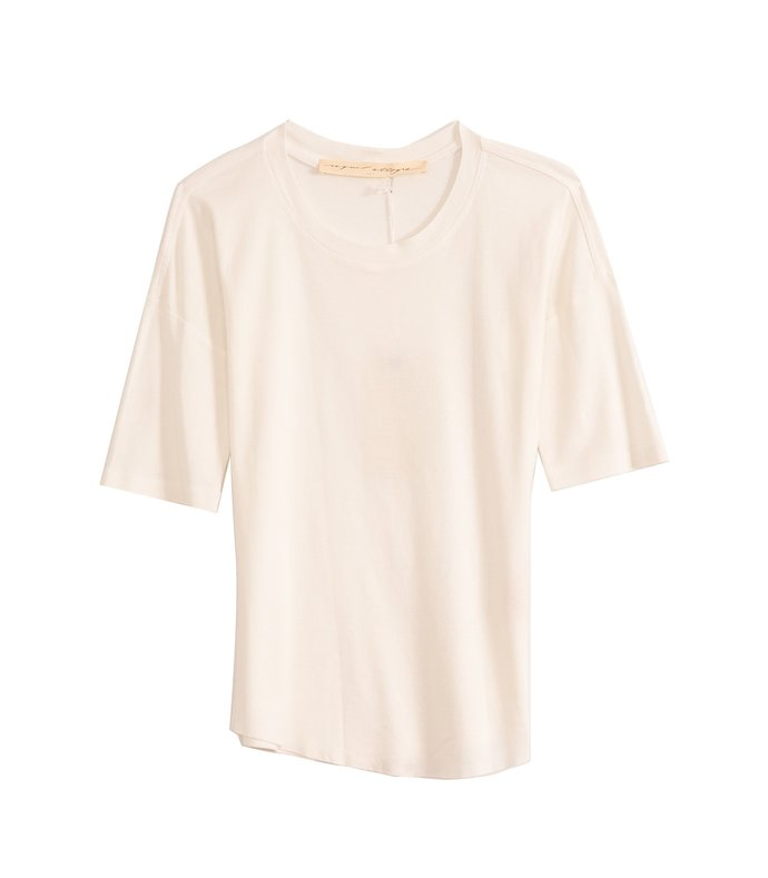 basic tee in washed white