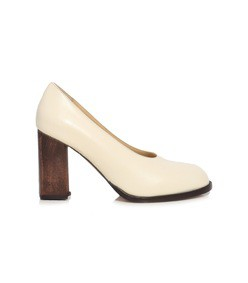 cream wooden pump
