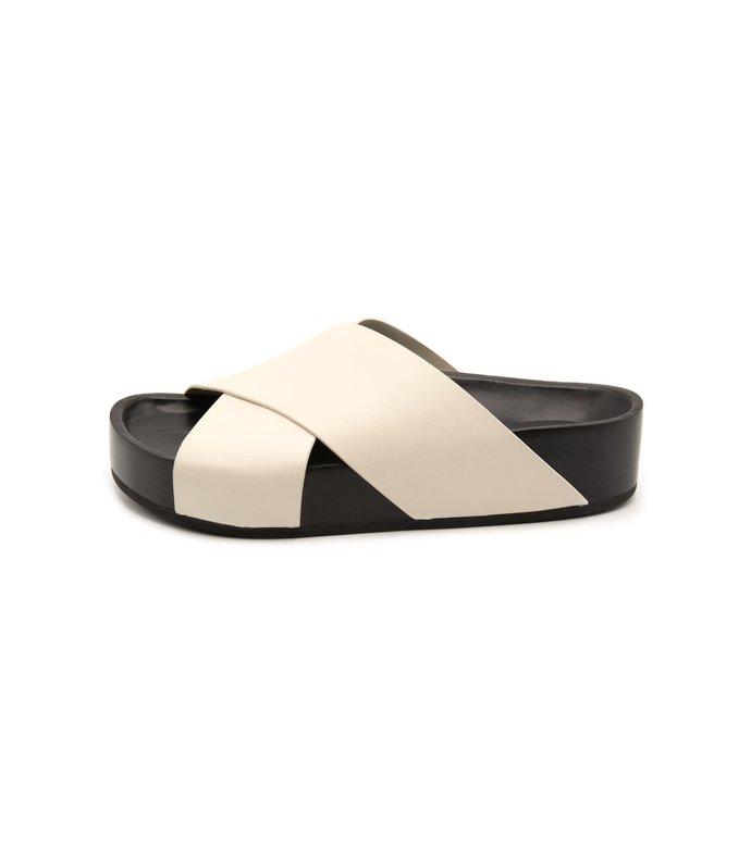 slide sandal in white