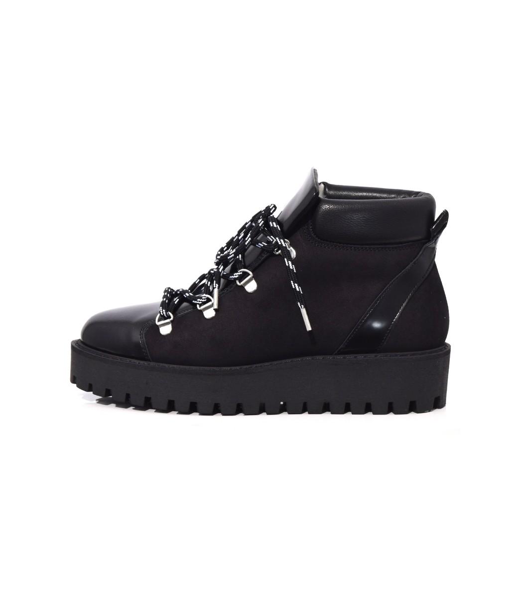 Black Alma Boot