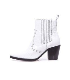 ankle boot in bright white