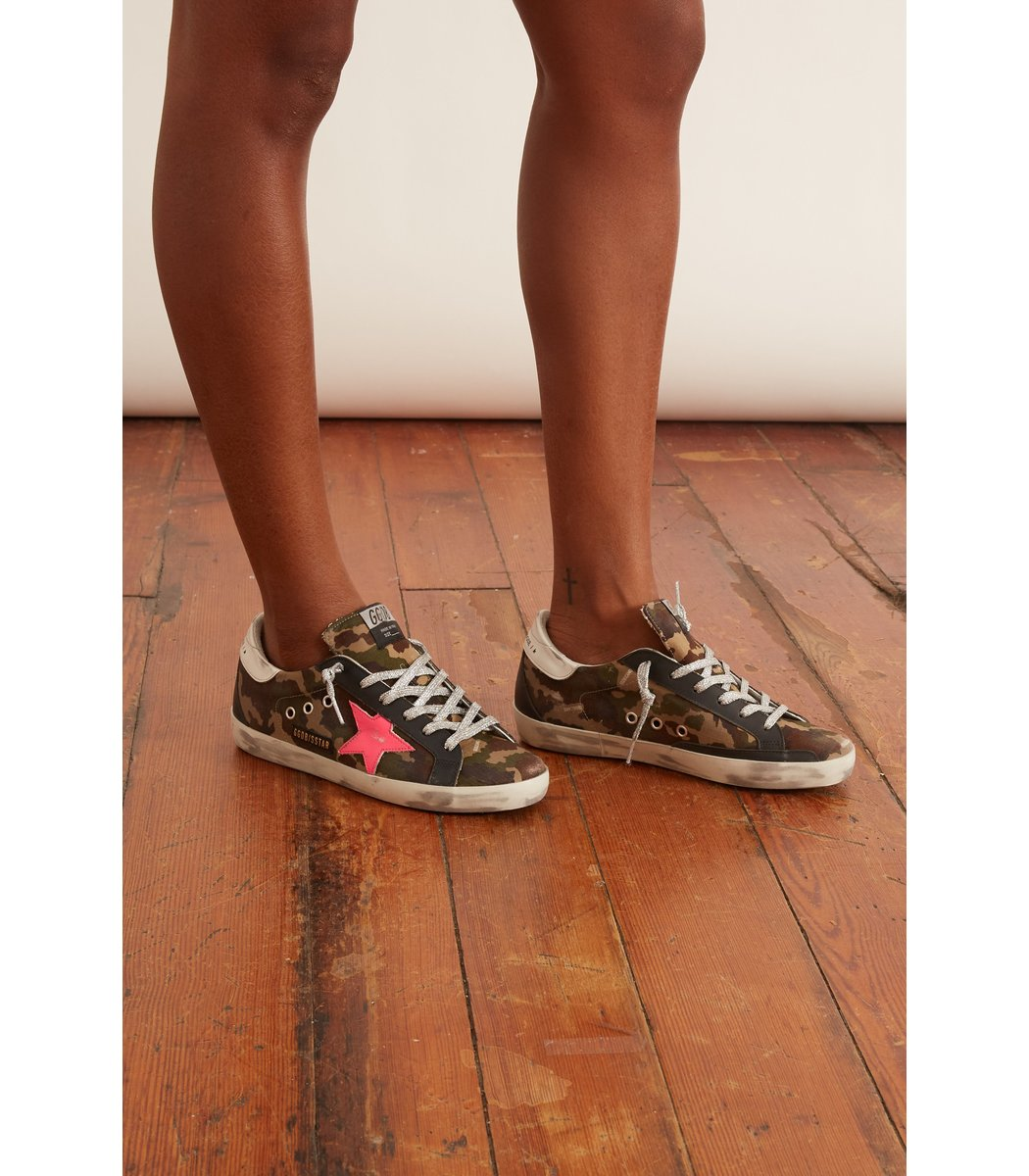 GOLDEN GOOSE Leathers Superstar Sneaker in Green Camo/Fuxia Fluo/White/Black