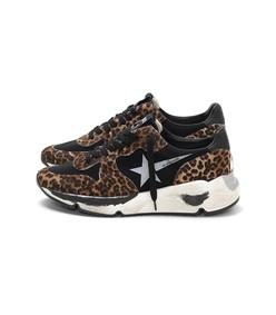 running sneakers in leopard pony hair