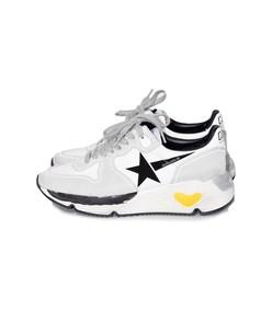 running sneakers in white lycra/black star