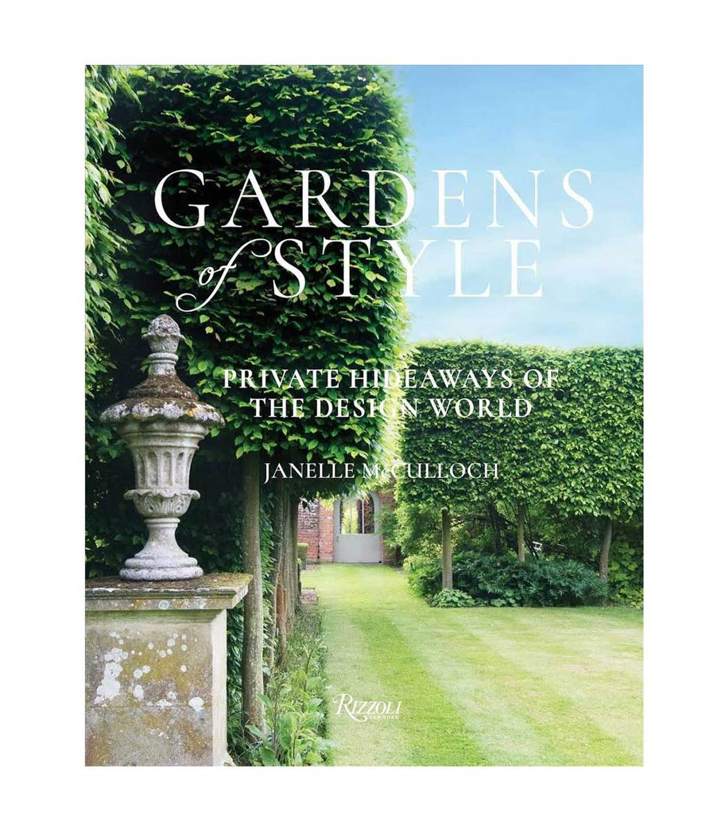 INGRAM BOOKS Multicolor Gardens Of Style: Private Hideaways Of The Design World