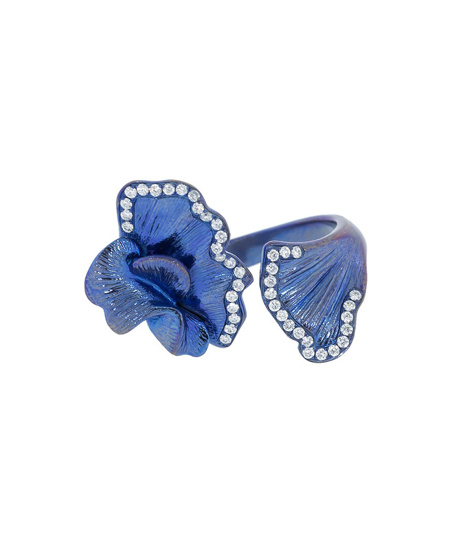 blue tatanium flower ring